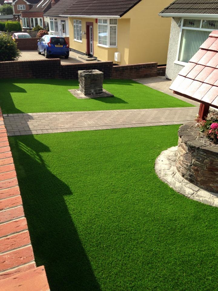 Artificial-Lawn-Bristol